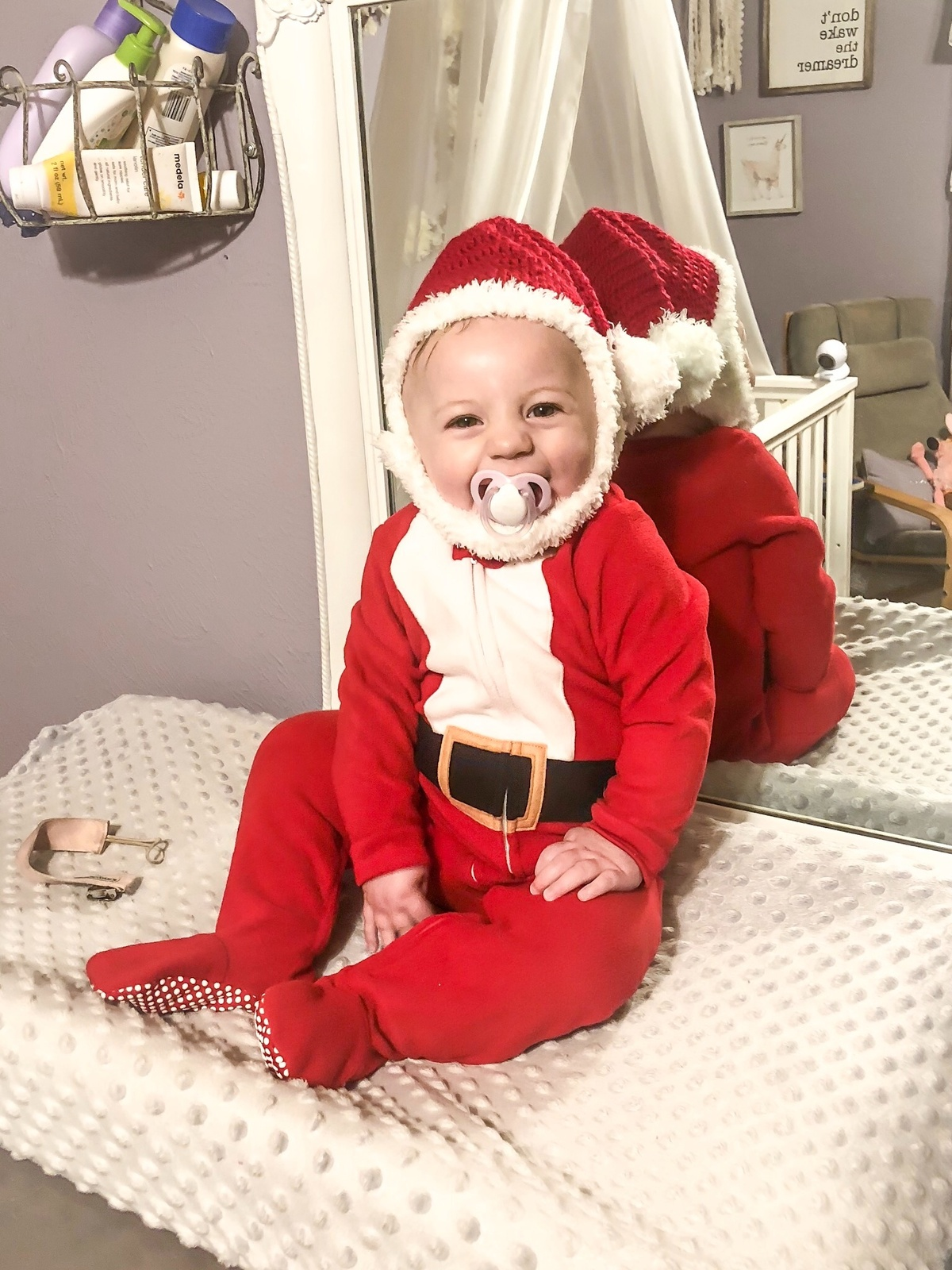 a345a5e60010 Y100 Santa Baby 2018 | Y100 WNCY | Your Home for Country & Fun ...