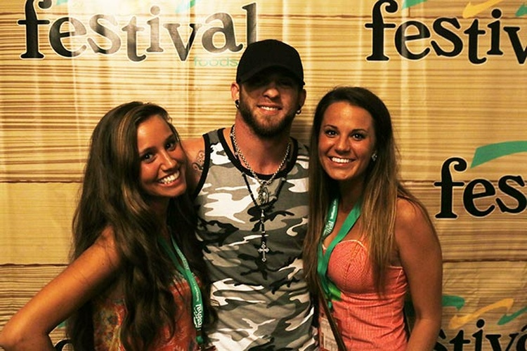 Photo 18 of 50 our 50 favorite shots from the country usa meet brantley gilbert m4hsunfo