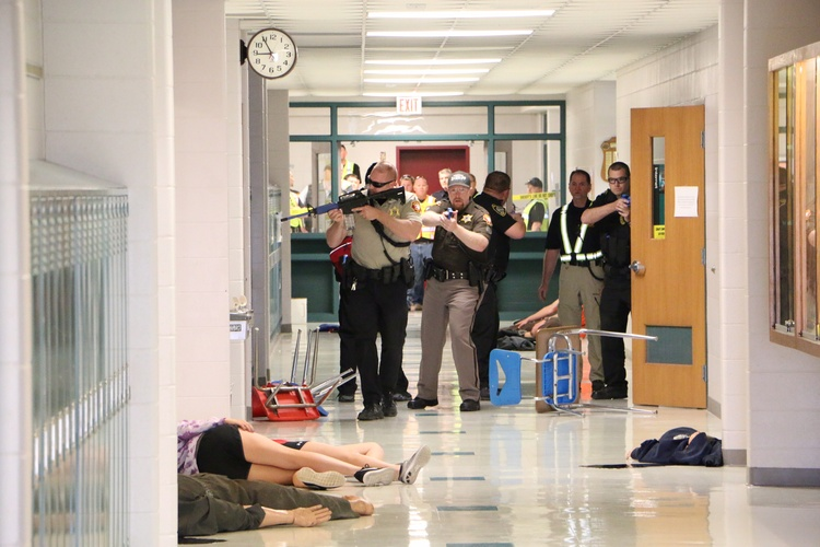 Police And Sheriffs Deputies Take Part In An Active Shooter Training Session Howards Grove High School Photo Courtesy Sheboygan County