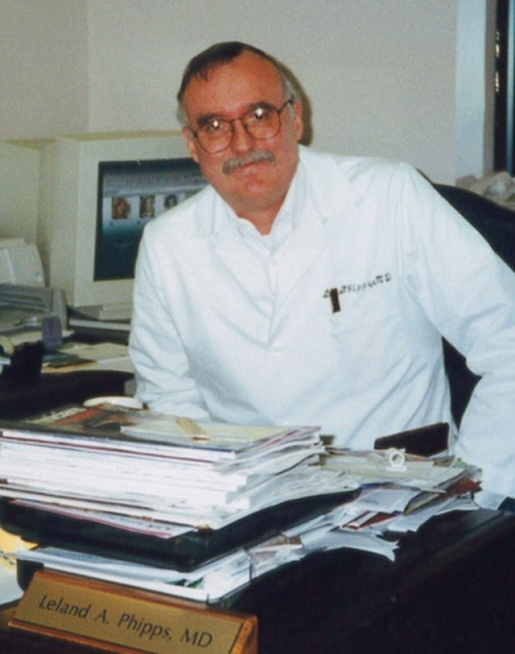 Paris community hospitalfamily medical center remembers dr dr leland phipps pictured in his office in the paris family medical center sciox Gallery