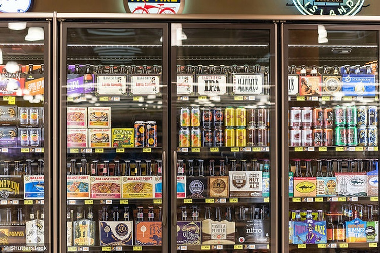 Indiana House panel backs lifting Sunday alcohol sales ban
