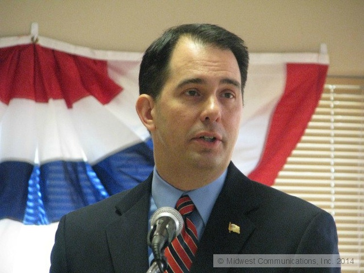 Walker signs bill to create Wisconsin reinsurance program