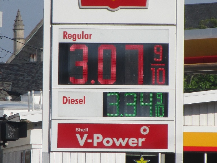 Texas, US retail gasoline prices up this week
