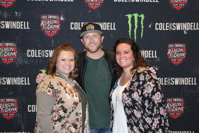Photos cole swindell meet n greets big country 925 cole swindell meet n greets photo 3 m4hsunfo